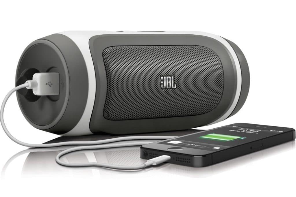 useful trave gadgets jbl speaker