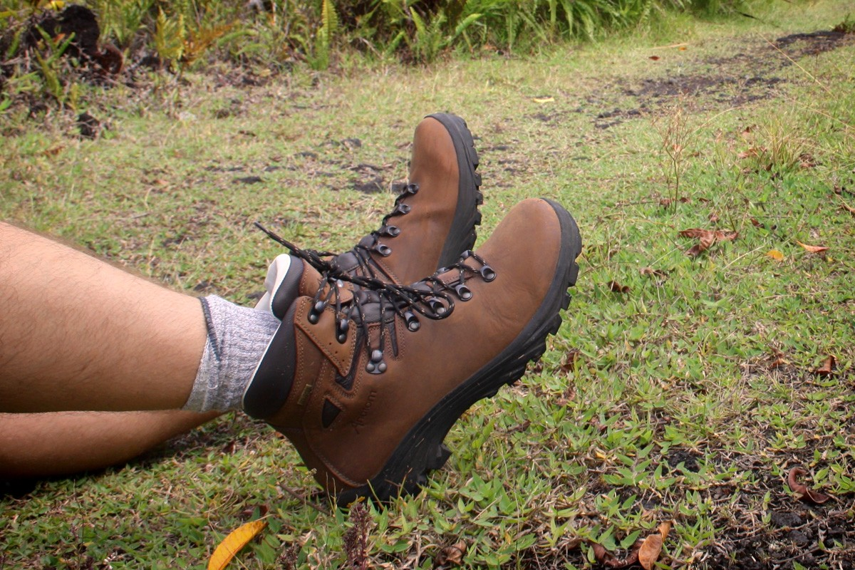 hiking-boots-peter-anatom