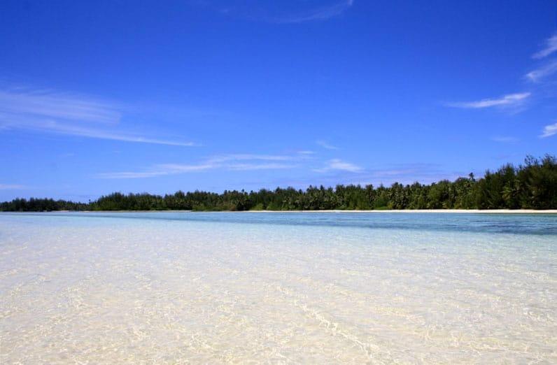 rarotonga tips: Muri Beach's utter beauty negates the relatively touristy feel