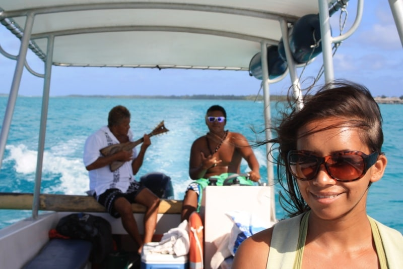 peter and kia on the Bora Bora lagoon tour