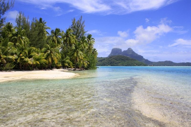 2 Motu Tapu Bora French Polynesia