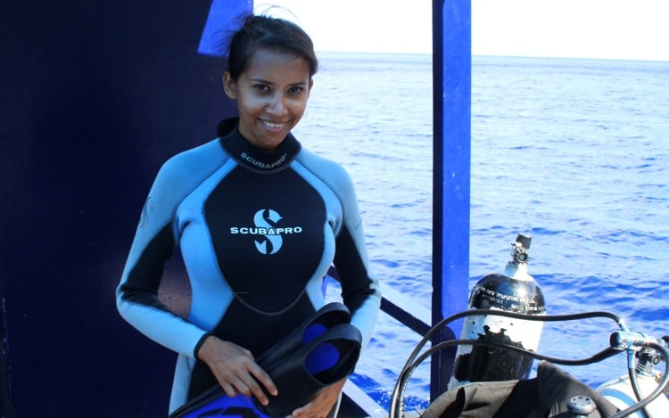 Kia readying to dive in Tonga