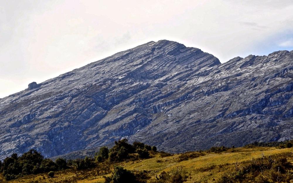 seven-second-summits-Puncak_Mandala