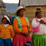 THE-UROS-FLOATING-ISLANDS-OF-LAKE-TITICACA-PERU