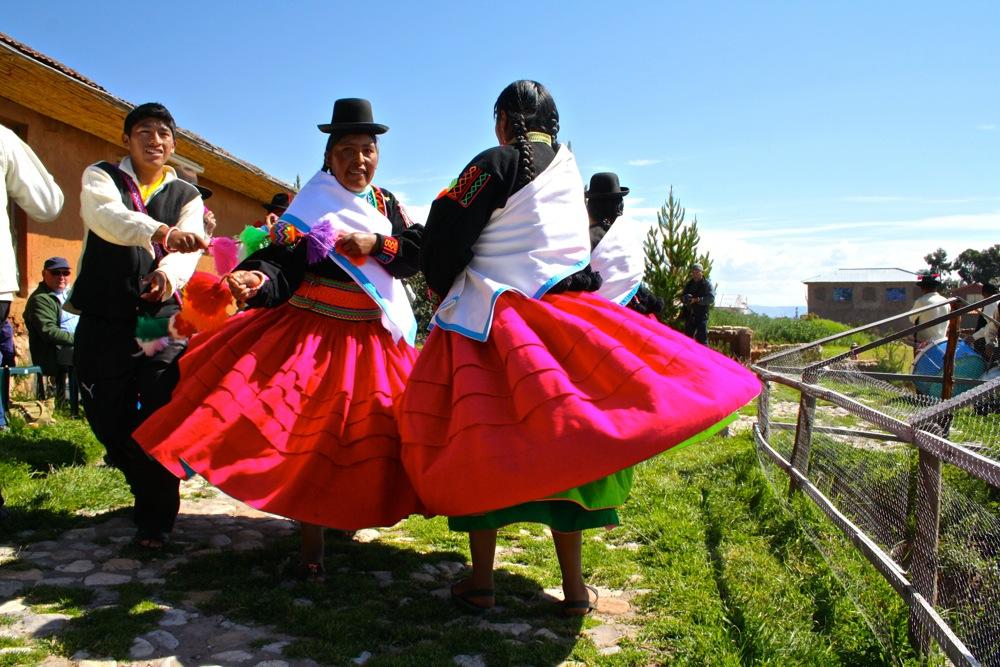 Uros-floating-islands-Lake-Titicaca