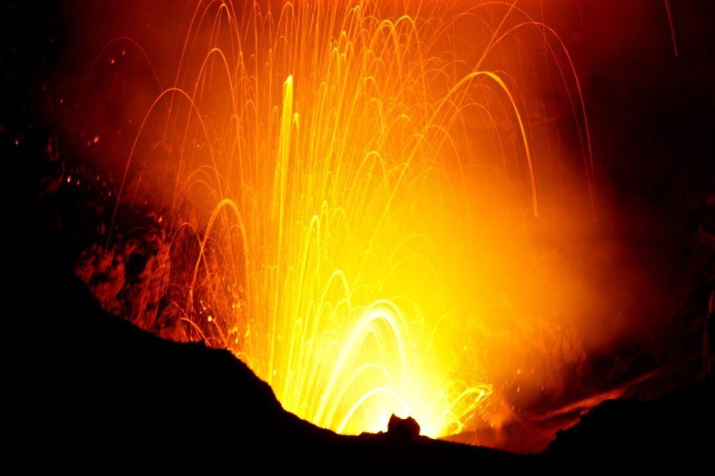 night hiking mt yasur volcano