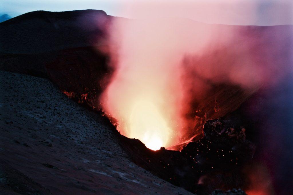 mount-yasur-volcano