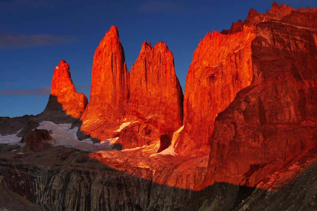 BEST TORRES DEL PAINE HIKING TRAILS TOWERS