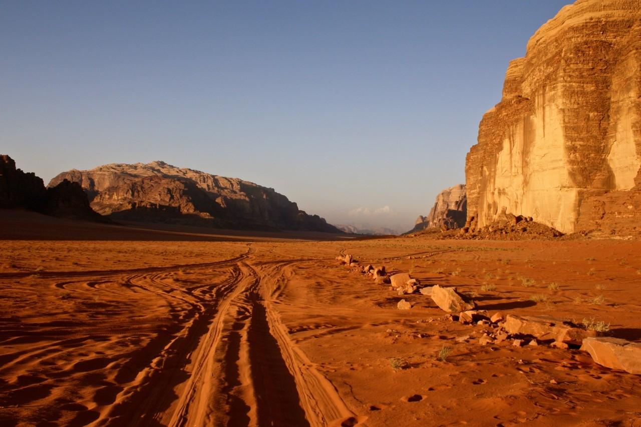 A night in the Jordanian desert wadi rum photography 15