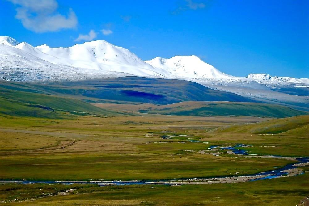 Non-technical-mountains-mongolia