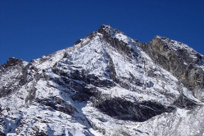 Non-technical-mountains-polkade -