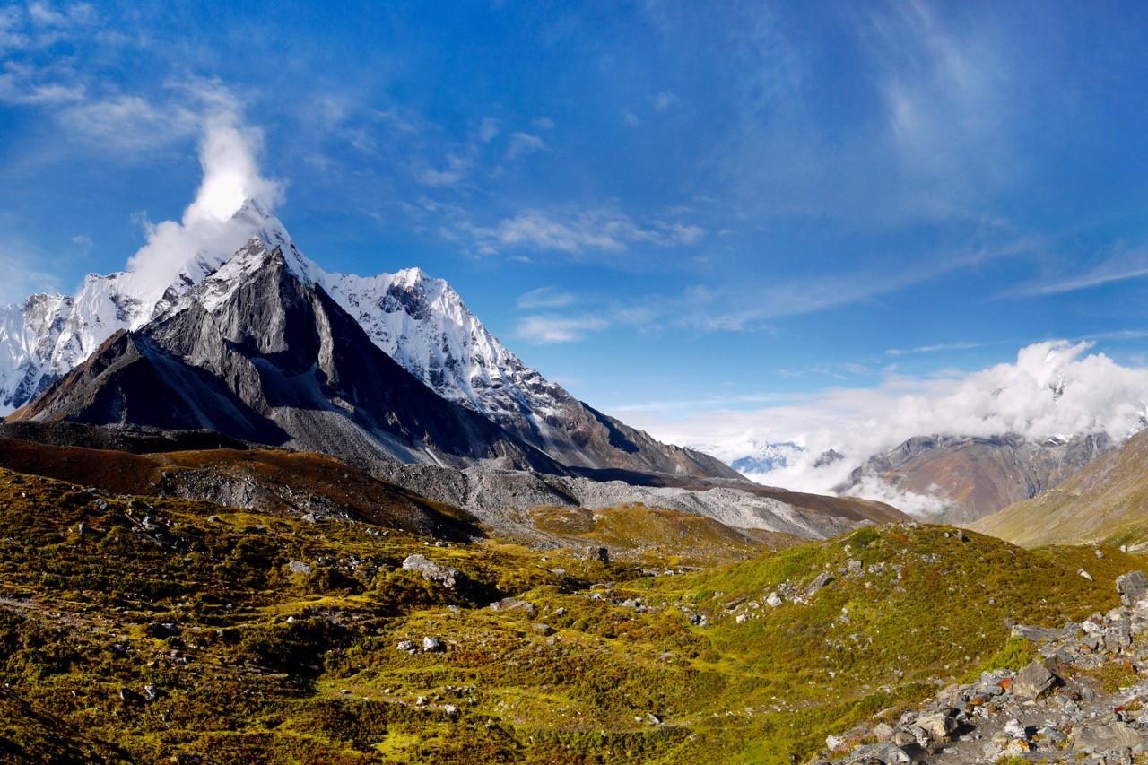 long-distance hiking trails himalaya