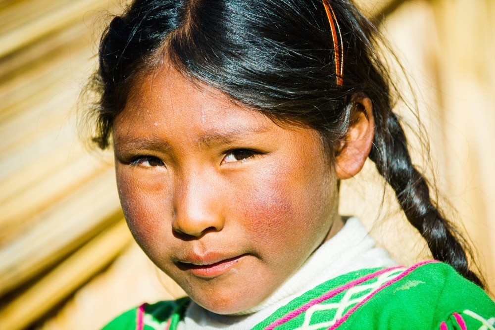 Peruvian girl, photographing local people