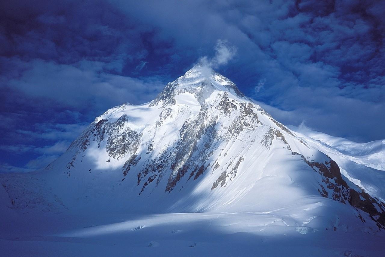 Eight-thousanders-Gasherbrum_I-HiddenPeak