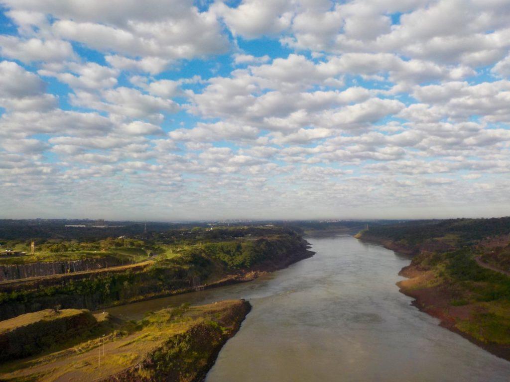 itaipu dam: parana river