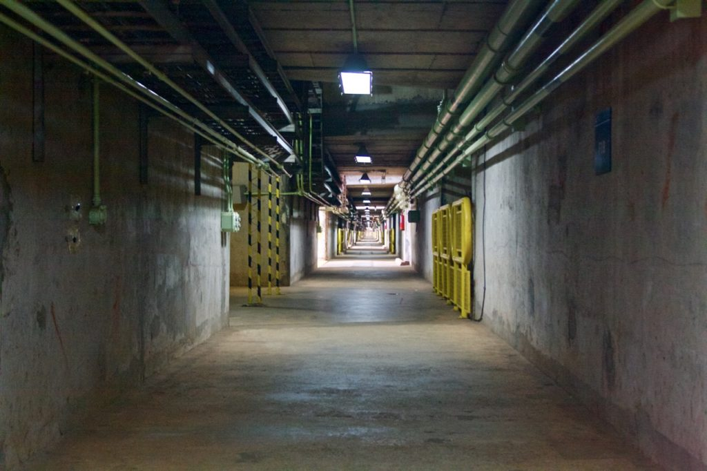 itaipu dam: one-km corridor