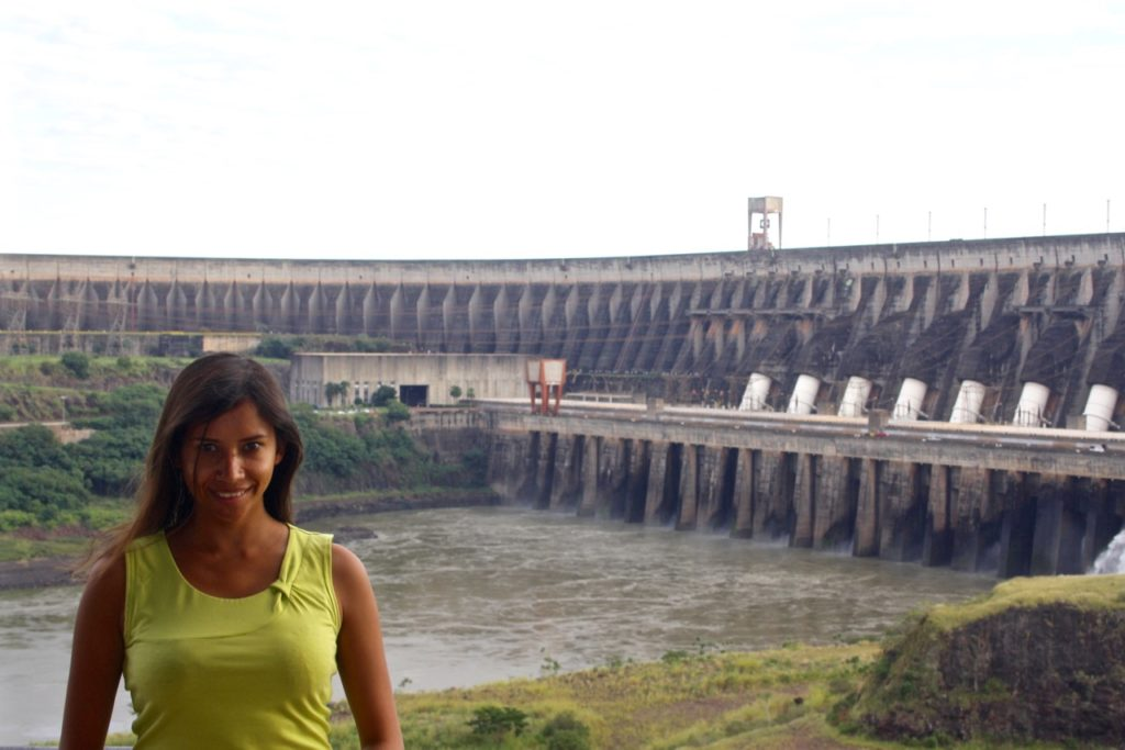 itaipu dam The itaipu dam is constructed across the seventh longest river, the paran  river   the dam is capable of producing 14 gigawatts of electricity.