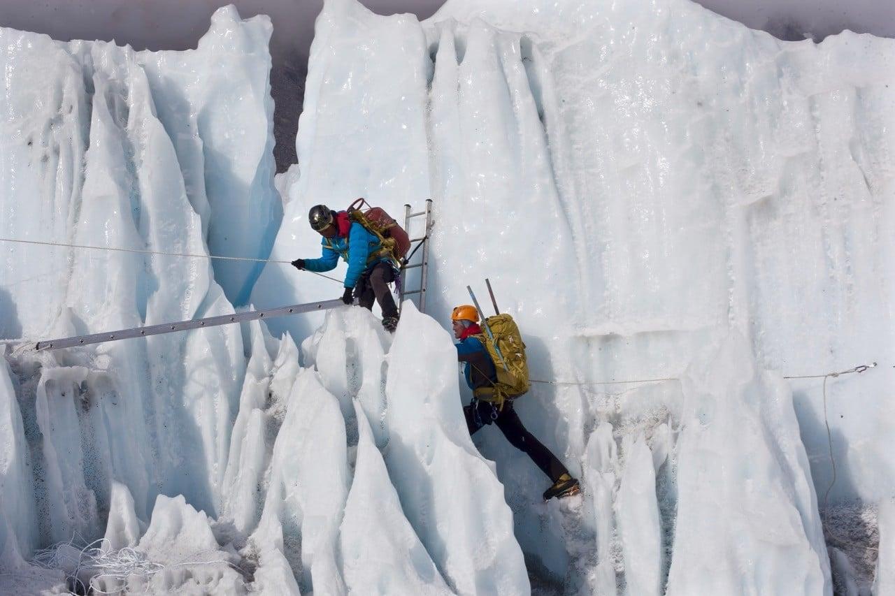 Sherpa film review - sherpas train