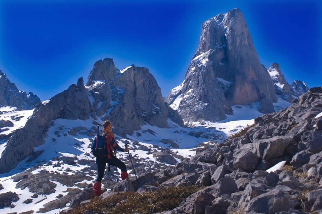 best big wall climbing: naranjo de bulnes