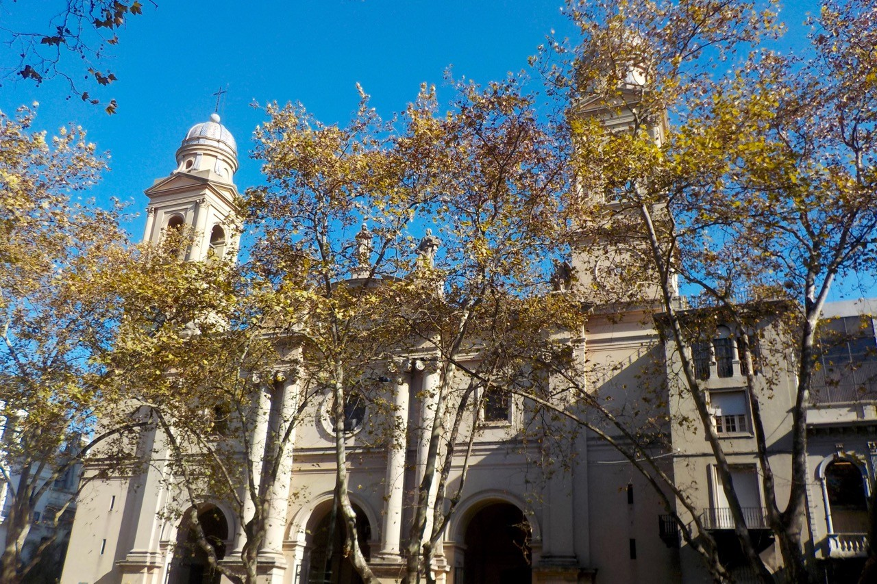 things to do in montevideo uruguay -cathedral