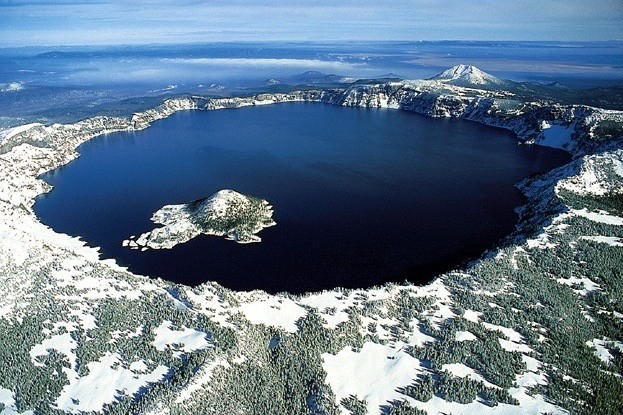 us-national-parks-crater-lake
