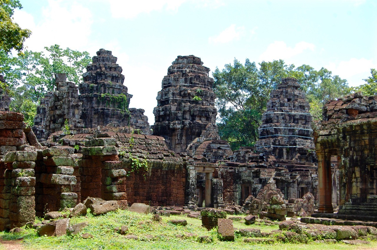 best time to visit Angkor Wat: no one around