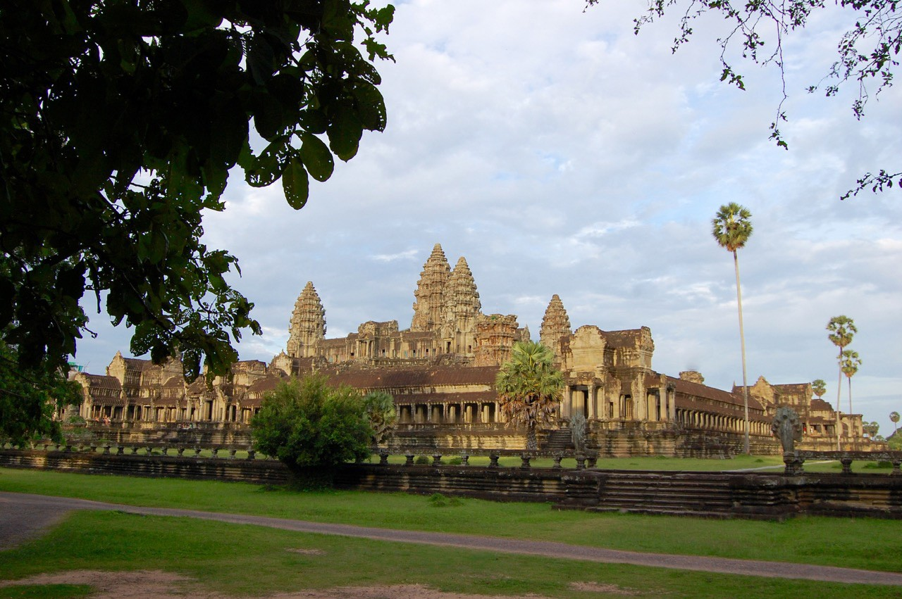 best time to visit Angkor Wat: panorama