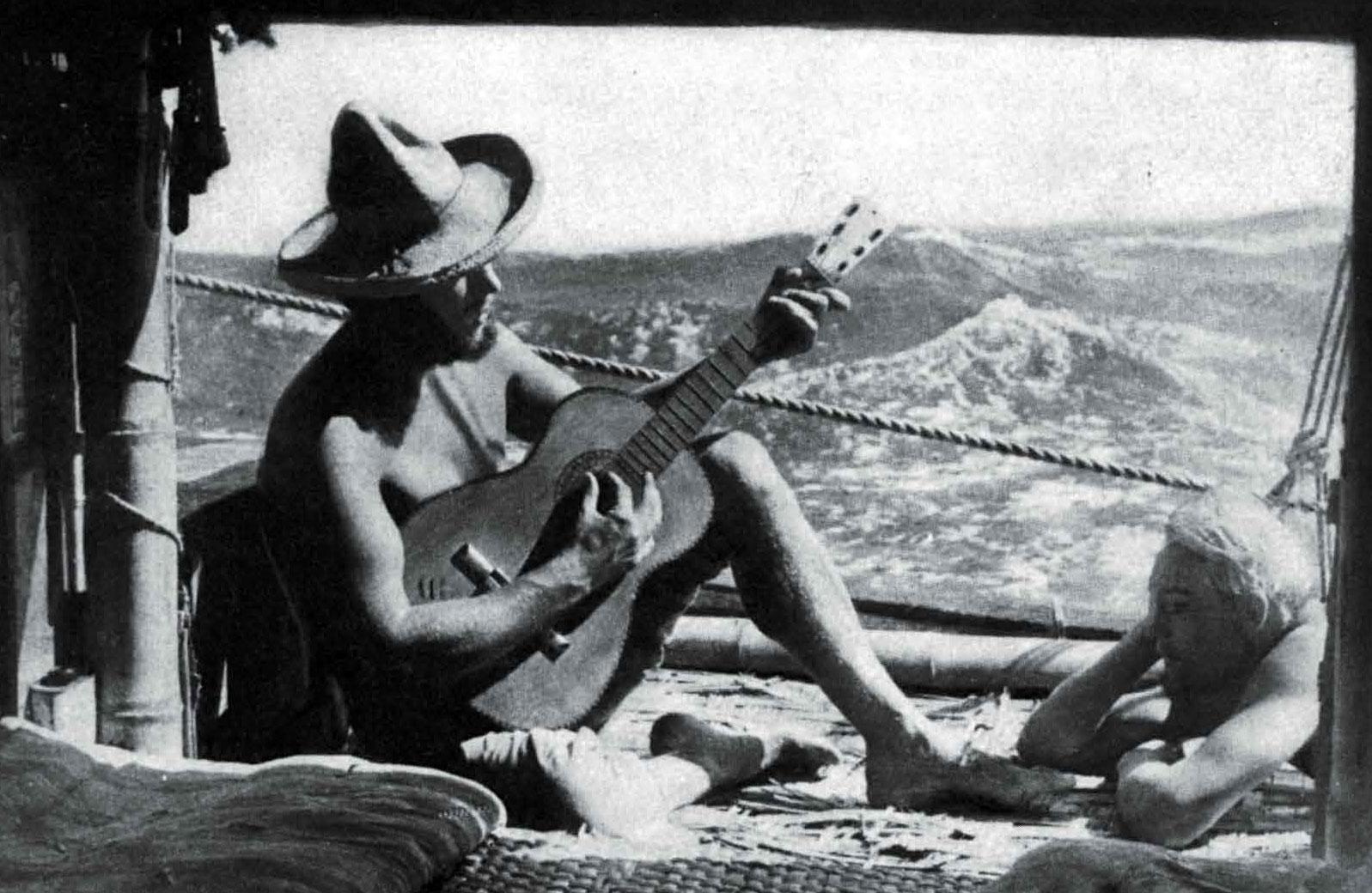 Kon Tiki: Hesselberg singing