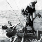 Kon Tiki: Tightening slackened ropes