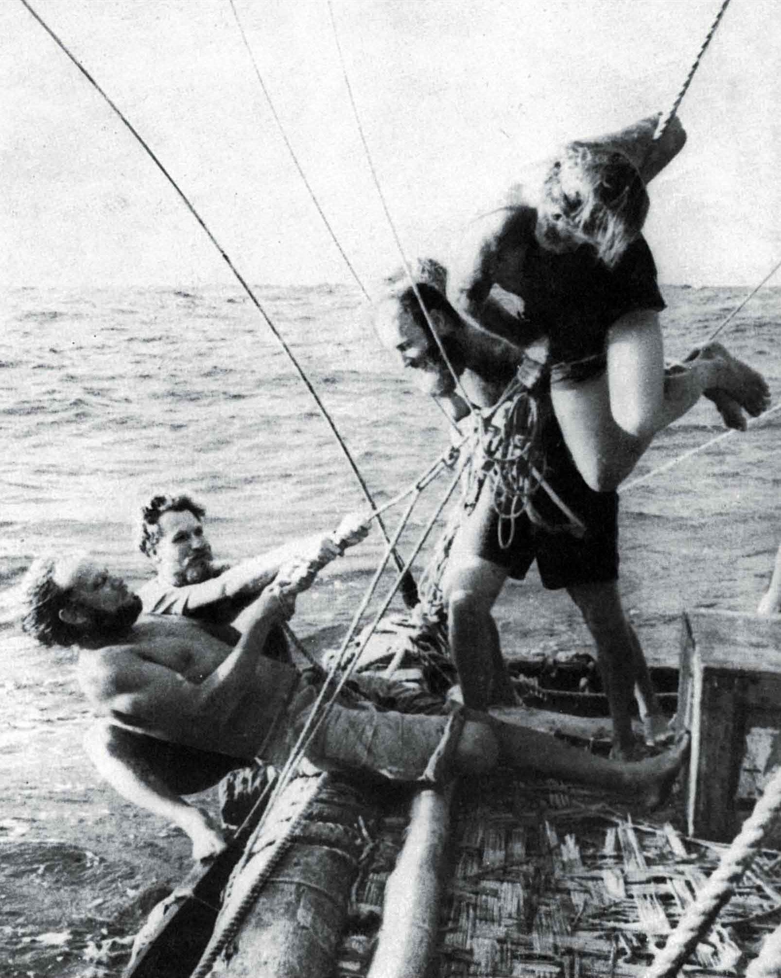 Kon Tiki: Tightening slackened ropes