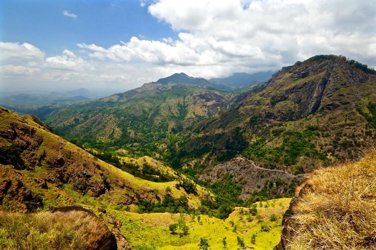 Hiking trails around Ella Sri Lanka - Little Adams Peak