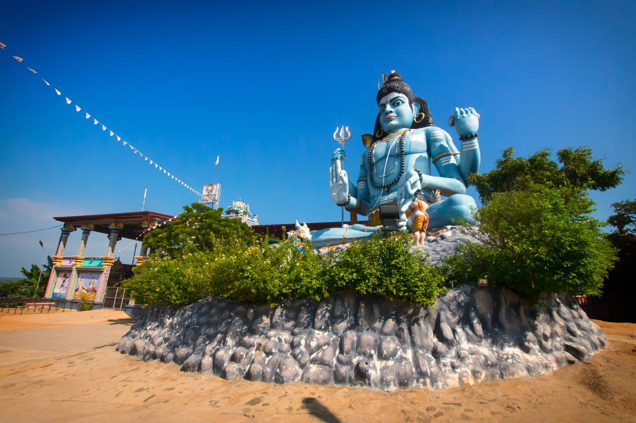 Things-to-do-in-Trincomalee-Sri-Lanka-koneswaram-temple