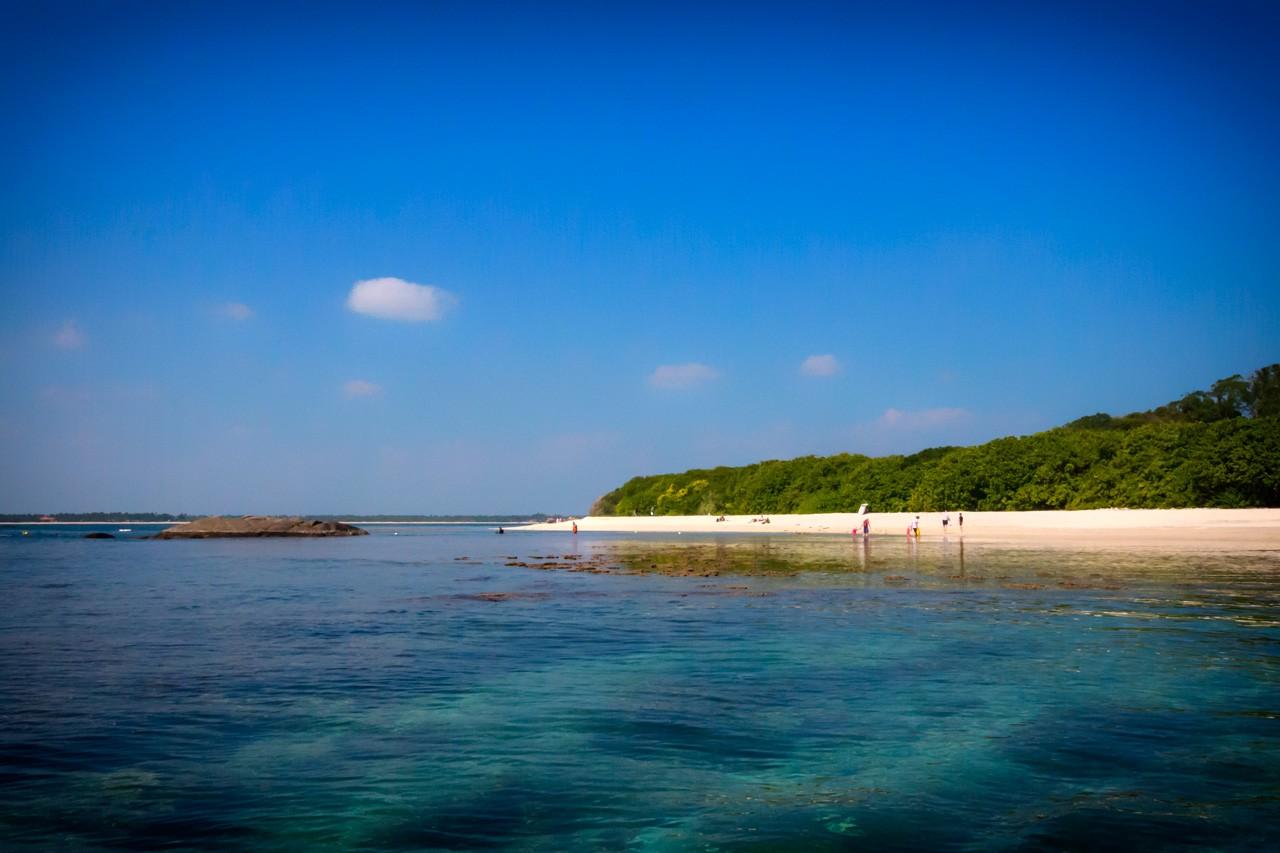 Things-to-do-in-Trincomalee-Sri-Lanka-pigeon-island
