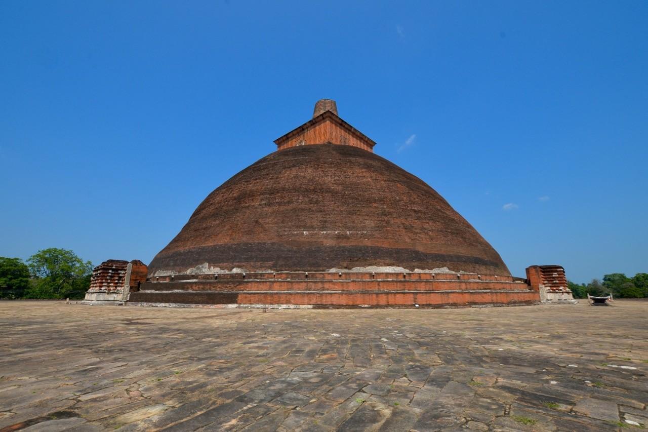 Jetavanaramaya in Anuradhapura is said to contain over 90 million bricks
