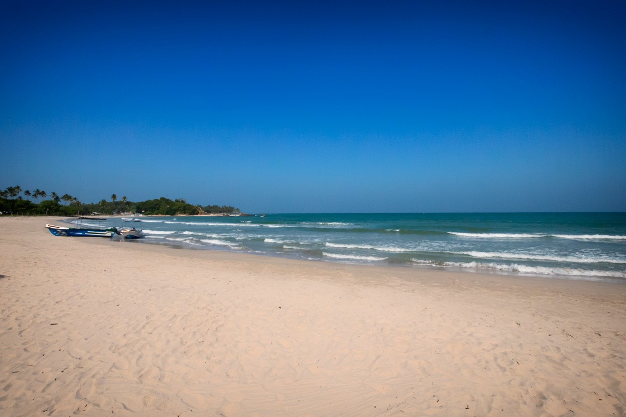 Things-to-do-in-Trincomalee-Sri-Lanka-Uppuveli-beach-2