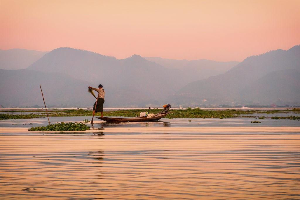 Interesting facts about Myanmar inle lake fisherman