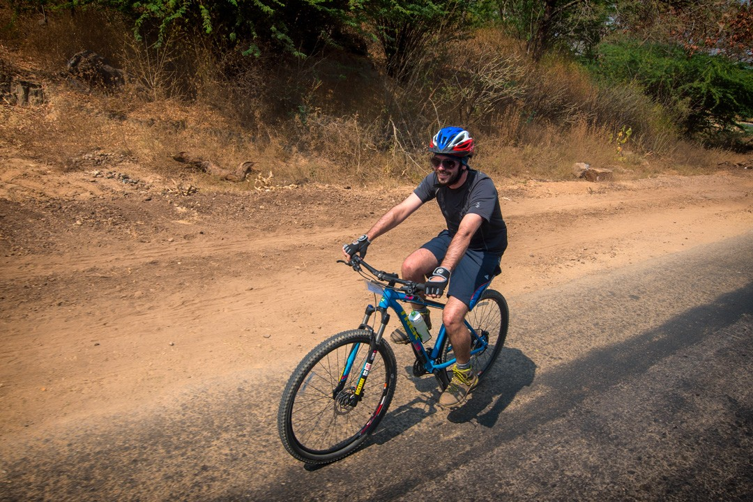 cycling-tour-of-Myanmar-peter