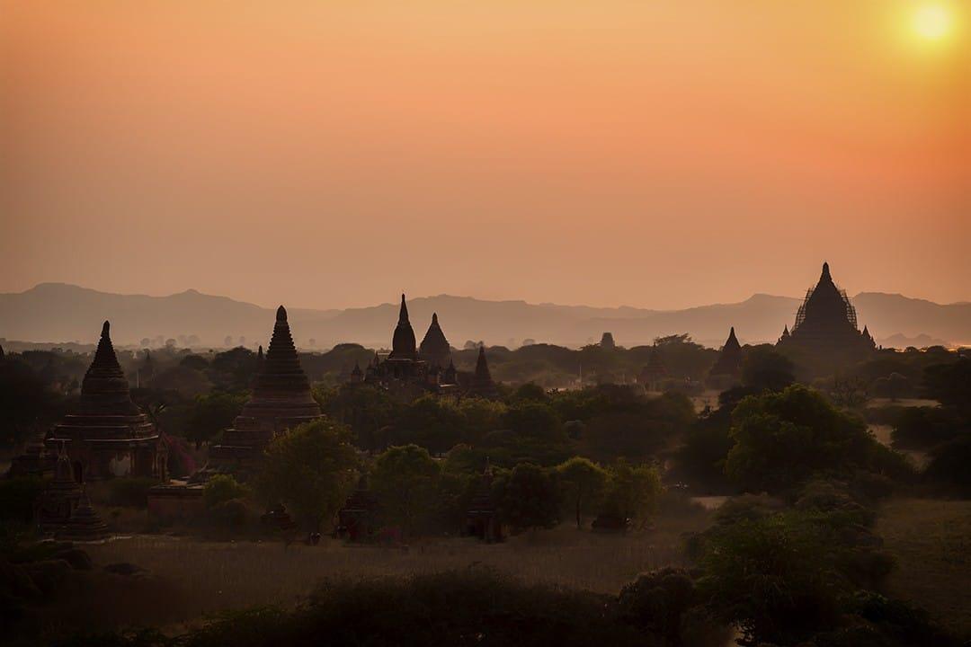 Cycling-Bagan-sunset-2