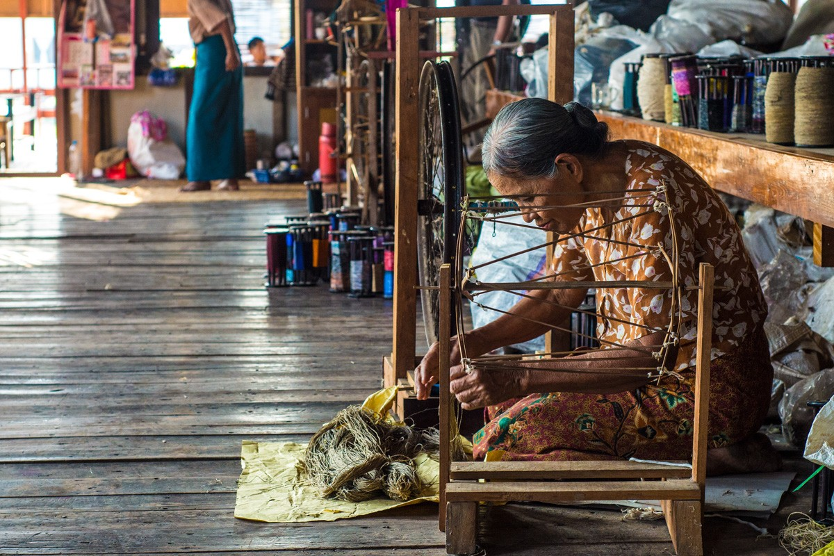 Weaving workshop by Inle Lake