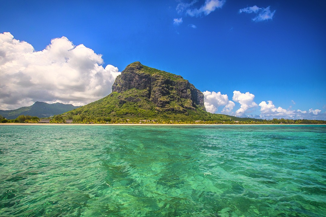 hiking in Mauritius le morne