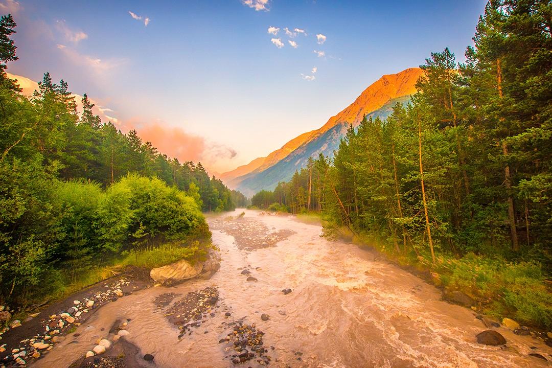climbing mount elbrus Baksan-River-1
