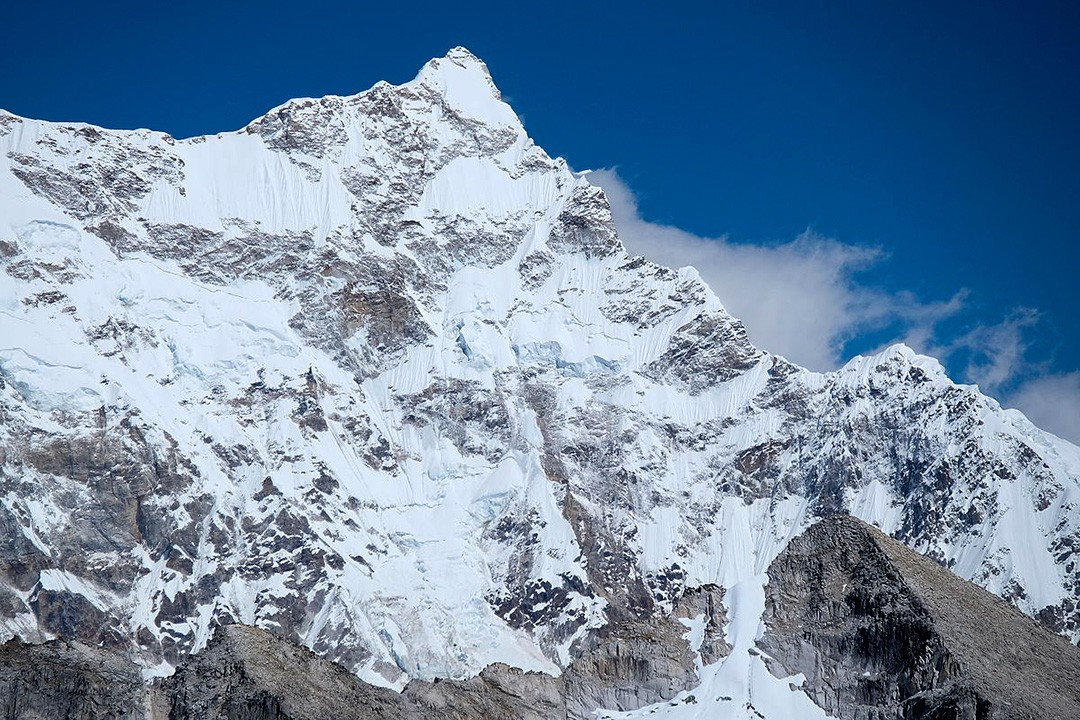 unclimbed mountains Gangkhar Puensum