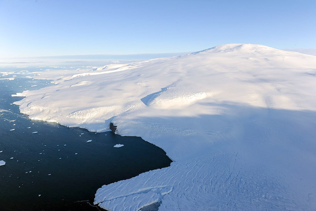 mount siple in antarctica