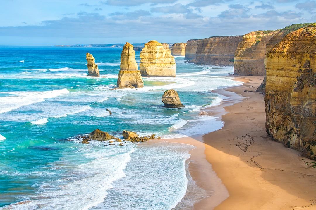 Great Ocean Road attractions 12 Apostles
