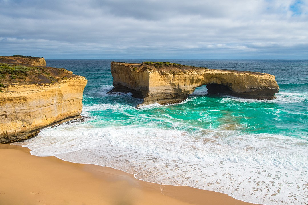 Great Ocean Road attractions London Bridge