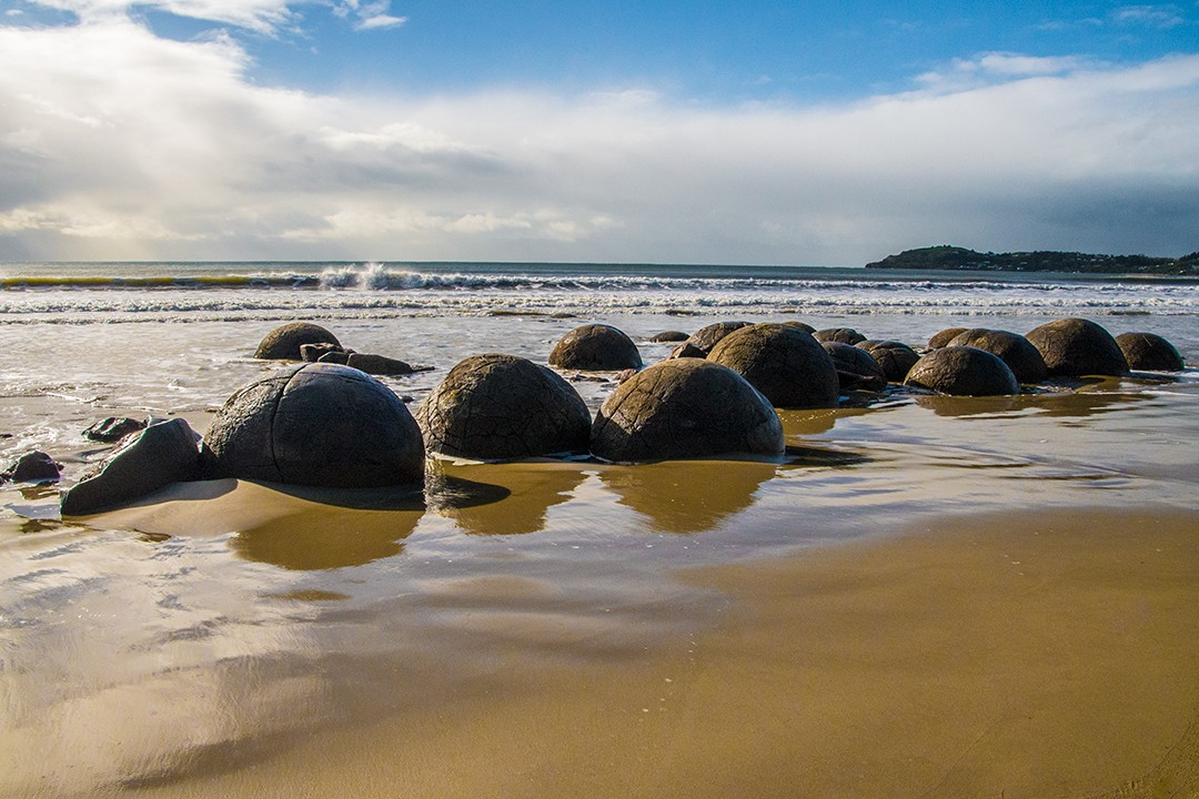 South Island short walks new zealand moeraki-boulders