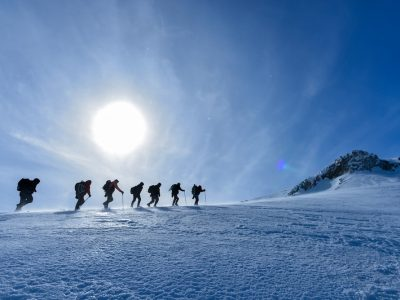 winter hiking featured