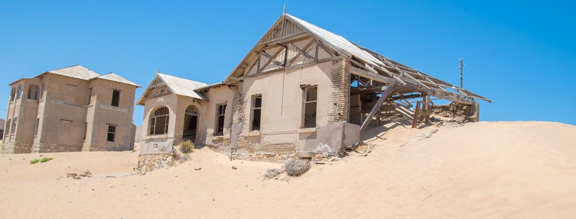 visiting kolmanskop namibia