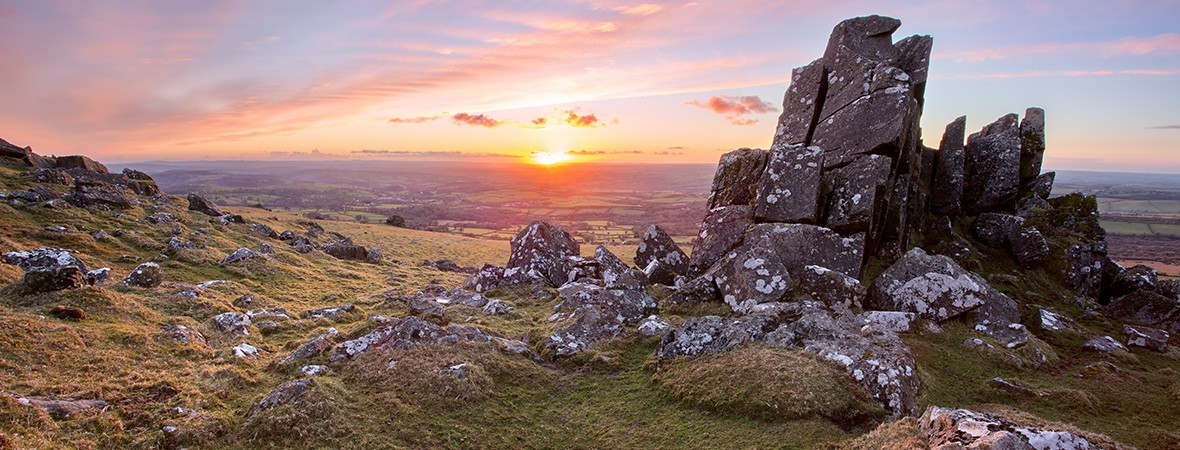 best hikes in Dartmoor National Park lead image