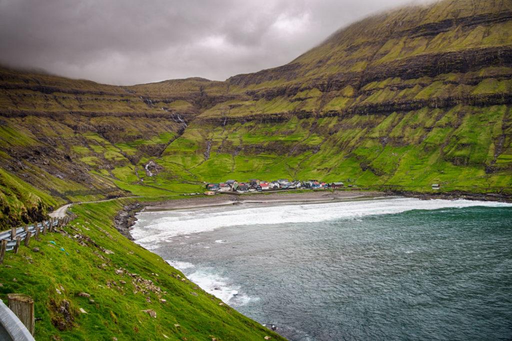 Фарерские острова 6 лучших походов на Фарерских островах best hikes in the faroe islands Tj C3 B8rnuvi CC 81k town 1024x683